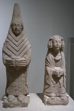 Feminine figures, 3rd-2nd century BC.