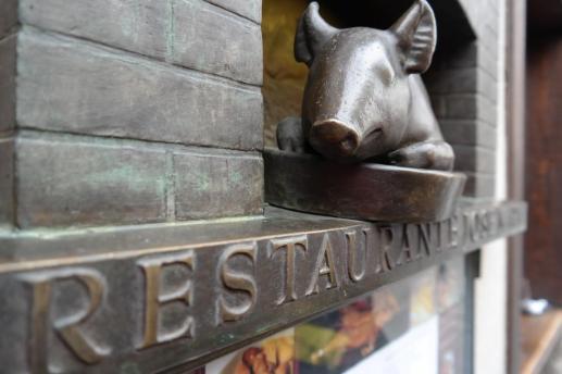 Segovia, restaurant.